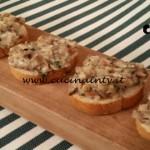Cotto e mangiato - Crostini funghi e stracchino ricetta Tessa Gelisio