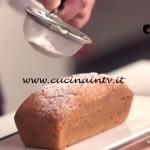 Pubblicità latte Zymil - ricetta Plumcake yougurt e pistacchi di Ernst Knam