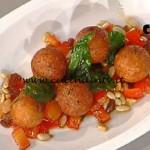 La Prova del Cuoco - Praline di formaggio con peperoni e vellutata di pomodoro ricetta Gilberto Rossi