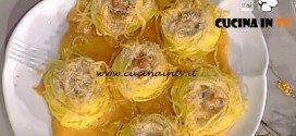 La Prova del Cuoco - Nidi di tagliolini taleggio pasta di salame e salsa di zucca ricetta Anna Moroni