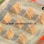La Prova del Cuoco - Tramezzini di pane nero speck e mousseline al cumino ricetta Luca Montersino