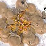 La Prova del Cuoco - Ravioli al pane nero con carne affumicata e tartufo ricetta Markus Holzer