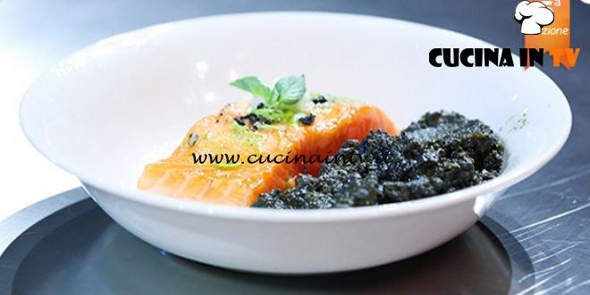 Masterchef 5 - ricetta Salmone laccato al miele di castagno con purea di carote al nero di seppia e senape al basilico di Jacopo