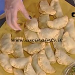 La Prova del Cuoco - Calzoncini fritti di scarola ricetta Anna Moroni