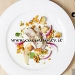 Masterchef 5 - ricetta Coda di rospo marinata con verdure pesche acerbe e aceto di fiori di Bruno Barbieri