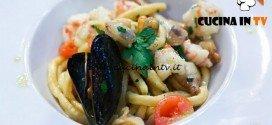 Masterchef 5 - ricetta Spaghetti alla chitarra con sugo di crostacei e molluschi di Rubina e Lucia