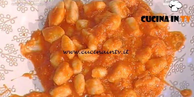 La Prova del Cuoco - Gnocchetti di ricotta con pomodoro e mozzarella ricetta Anna Moroni