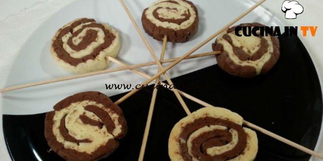 Cotto e mangiato - Lecca lecca bicolore ricetta Tessa Gelisio