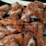 Cotto e mangiato - Treccine fritte ricetta Tessa Gelisio