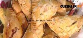 La Prova del Cuoco - Triangoli alle carote ripieni di marmellata di prugne ricetta Anna Moroni