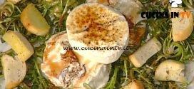 La Prova del Cuoco - Caprino grigliato con insalatina di tarassaco e sciroppo d'abete ricetta Markus Holzer