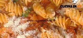 La Prova del Cuoco - Fusilli grandi con sugo di pomodori confit ricetta Anna Moroni