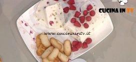 La Prova del Cuoco - Semifreddo alla ricotta con lamponi pistacchi e sesamo ricetta Natalia Cattelani