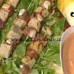La Prova del Cuoco - Spiedini di pollo e prosciutto alla salvia ricetta Anna Moroni