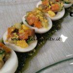 Cotto e mangiato - Uova ripiene di verdure e pesto ricetta Tessa Gelisio
