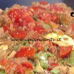 La Prova del Cuoco - Tagliatelle paglia e fieno con salsiccia e funghi ricetta Luisanna Messeri