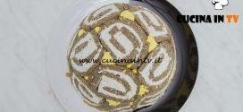 Bake Off Italia 4 - ricetta Finto zuccotto al farro con olive feta e zafferano di Federico