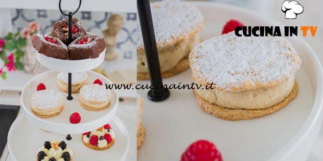 Bake Off Italia 4 - ricetta Mini caprese al pistacchio e mini tortini alle noci di Martina