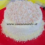 Bake Off Italia 4 - ricetta Pan di spagna salato con mousse di mortadella speck e melanzane di Paola