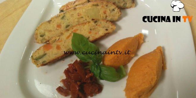 Cotto e mangiato - Polpettone di verdure con pomodorini secchi e purè di zucca ricetta Tessa Gelisio