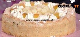 La Prova del Cuoco - Torta di amaretto morbido con pere e panna ricetta Tiziana Stefanelli