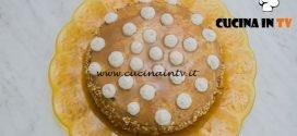 Bake Off Italia 4 - ricetta Pan di spagna con crema al formaggio e caffè cannella e granella di nocciole di Roberta