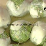 La Prova del Cuoco - Canederli alle erbe con fonduta di formaggio di malga ricetta Markus Holzer
