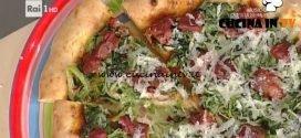 La Prova del Cuoco - Pizza soffritto scarola saltata e scaglie di pecorino carmasciano ricetta Gino Sorbillo
