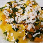 Cotto e mangiato - Ravioli di zucca in crema di zucca e spinaci ricetta Tessa Gelisio