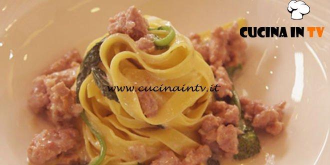 Cucine da incubo - Tagliatelle con cime di rapa salsiccia e provola ricetta Antonino Cannavacciuolo