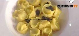 La Prova del Cuoco - Tortelli ripieni di formaggio stagionato liquido al tartufo ricetta Gilberto Rossi