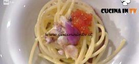 La Prova del Cuoco - Spaghettone freddo cipolla rossa uova di salmone e calamaretti spillo ricetta Ivano Ricchebono