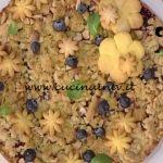 La Prova del Cuoco - Torta di mele e mirtilli con crumble aromatico ricetta Natalia Cattelani