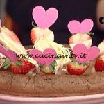 La Prova del Cuoco - Torta di cioccolato e riso con fragole e cioccolato bianco ricetta Sergio Barzetti