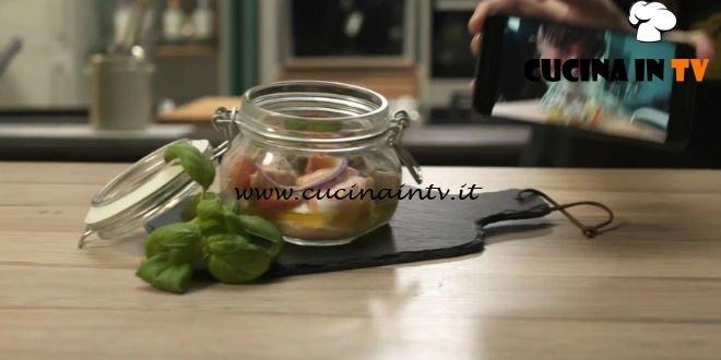 foto tratta dalla trasmissione di cucina pronto e postato in onda su real time