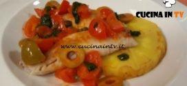 Cotto e mangiato - Filetti di triglia fritti in guazzetto di pomodorini e olive verdi ricetta Tessa Gelisio