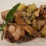 Cotto e mangiato - Pollo alle erbe con fave e patate ricetta Tessa Gelisio