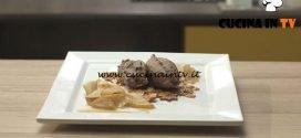 Pronto e postato | Mousse pere e croccante ricetta Benedetta Parodi