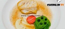 Masterchef Italia 6 - ricetta Brodo di prosciutto crudo merluzzo arrosto purè di patate all'olio extravergine di oliva pane al prezzemolo e ravanello in agro di Andrea Berton