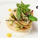 Millefoglie di asparagi cocco e maionese vegana su letto di crema di carote al vapore di Loredana Martori