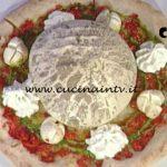 La Prova del Cuoco - Ciambella di pizza con pesto e mozzarella di bufala ricetta Gino Sorbillo