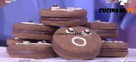 Detto Fatto | Biscotti al cioccolato con crema di nocciole ricetta Davide Comaschi
