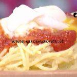 La Prova del Cuoco - Frittata di spaghetti con salsa di pomodori e squacquerone ricetta Cesare Marretti