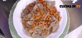 La Prova del Cuoco - Mezzelune di castagne condite con zucca al rosmarino ricetta Alessandra Spisni