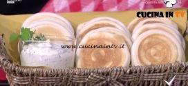 Detto Fatto - Tigelle e formaggio alle erbe ricetta Erica Liverani