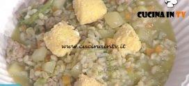 La Prova del Cuoco - Zuppa di cereali con salsiccia friarielli e mozzarella fritta ricetta Mauro Improta