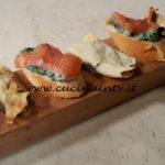 Cotto e mangiato - Crostini trota salmonata ricetta Tessa Gelisio