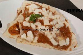 Cotto e Mangiato | Lasagnette carasau pesto e mozzarelle ricetta Tessa Gelisio