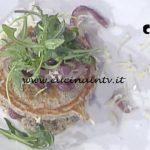 La Prova del Cuoco - Pancake di grano saraceno con bitto e cipolla caramellata ricetta Roberto Valbuzzi
