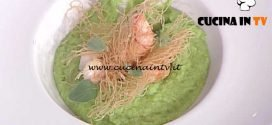 La Prova del Cuoco - Crema di broccoli e curcuma con gamberoni in pasta kataifi ricetta Roberto Valbuzzi